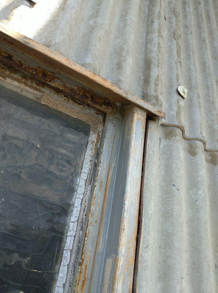 窓サッシリフォームビフォー2-2